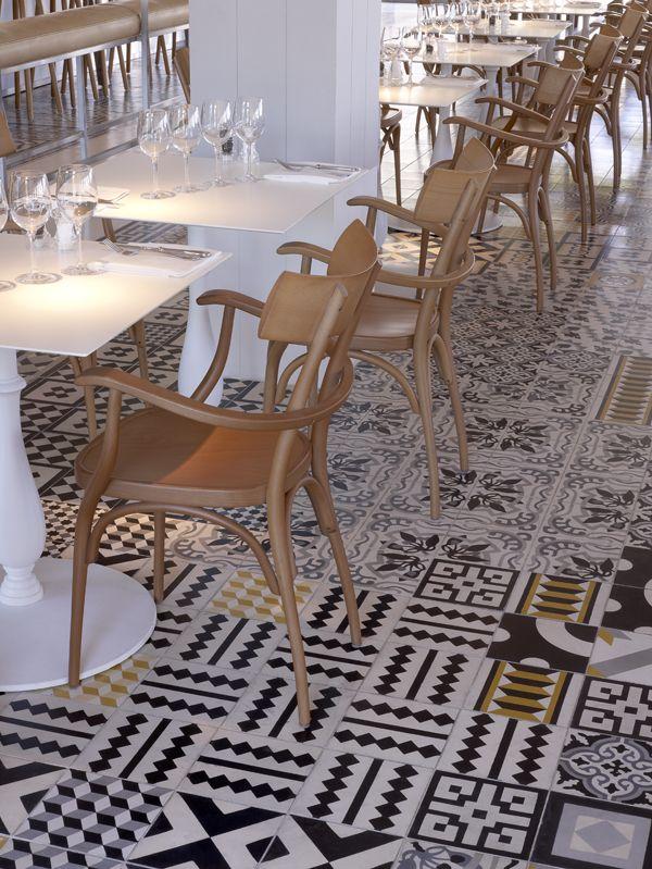 Mix match patchwork di piastrelle architettura e for Mattonelle in vinile