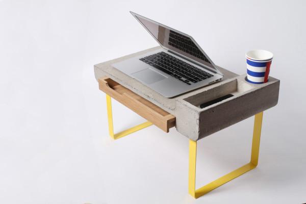 Tavolino Da Letto.Complementi Dobrostol E Un Tavolino Da Letto Architettura E
