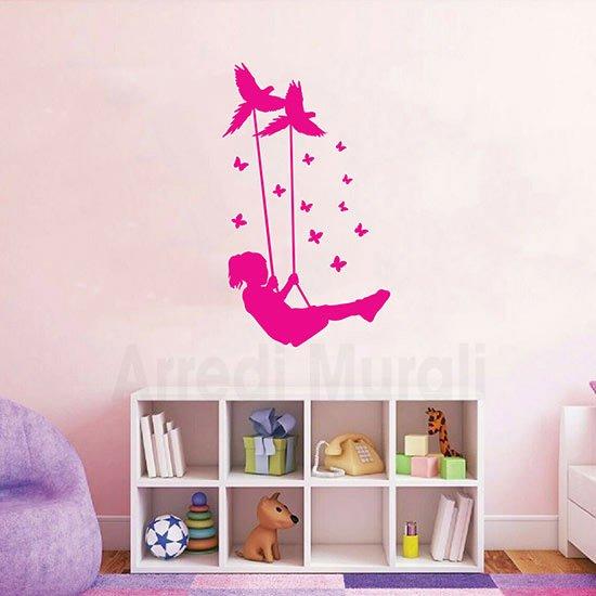 Passione decorazione: come gli adesivi murali possono donare carattere e personalità ad un ambiente - image Adesivi-murali-bimba-1 on http://www.designedoo.it