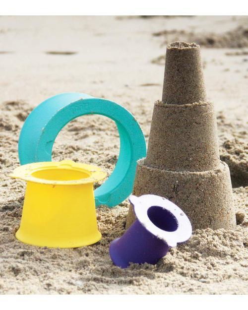 Attrezzatura da spiaggia di design - image quut-gioco-alto-set-3-stampi-impilabili-per-castelli-di-sabbia-giochi-da-spiaggia_6699 on http://www.designedoo.it