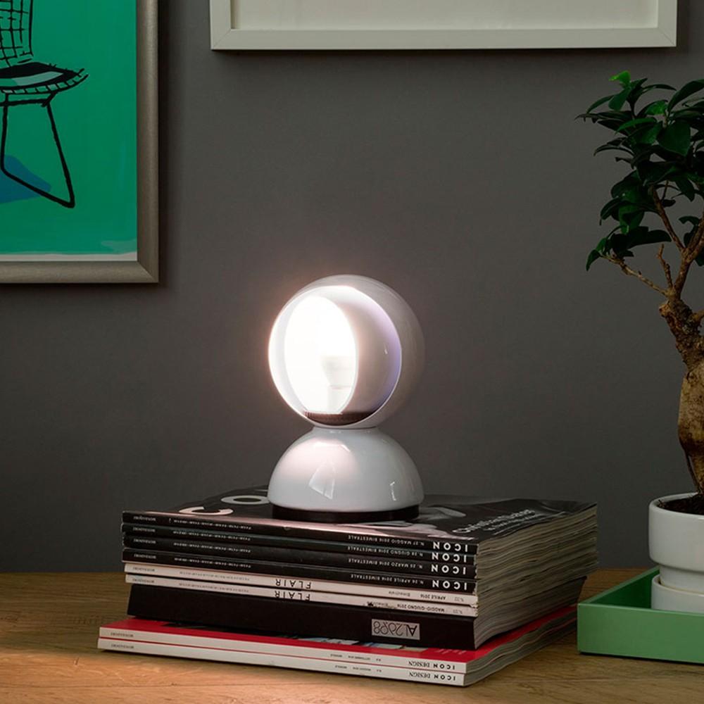 Lampade da tavolo: come scegliere il modello perfetto - image lampada-eclisse-artemide on http://www.designedoo.it