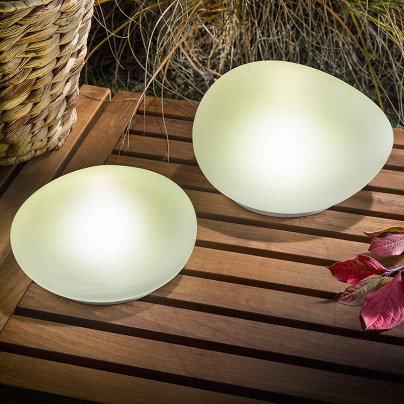lampade solari a forma di sasso