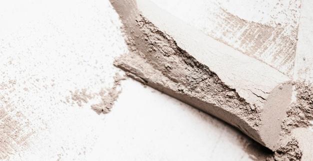 Requisiti e prestazioni dei rivestimenti in ceramica - image rivestimenti-argilla-flat-lay-clay-smudge_23-2148862887 on http://www.designedoo.it