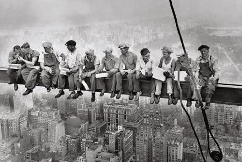 Arredamento di design e cantiere - image amazon-Poster-Manhattan-Steelworkers-%E2%80%93-lavoratori-in-acciaio-sul-cantiere-dal-grattacielo-su-New-York-%E2%80%93-Dimensioni-61-x-915-cm-%E2%80%93-Maxi-poster on http://www.designedoo.it