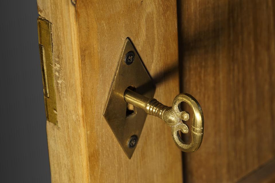 Aprire porta bloccata: