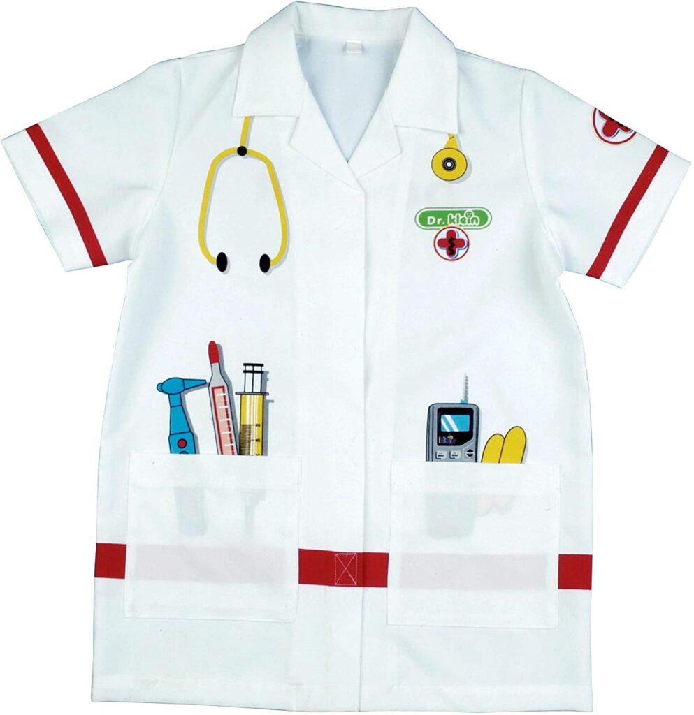 Design per bambini nel Museo dei diritti dell'infanzia - image amazon-heo-Klein-4614-Camice-del-dottore-Costume-di-qualit%C3%A0-Dimensioni-lunghezza-circa-55-cm-Giocattolo-per-bambini-dai-3-ai-6-anni-993x1024 on http://www.designedoo.it