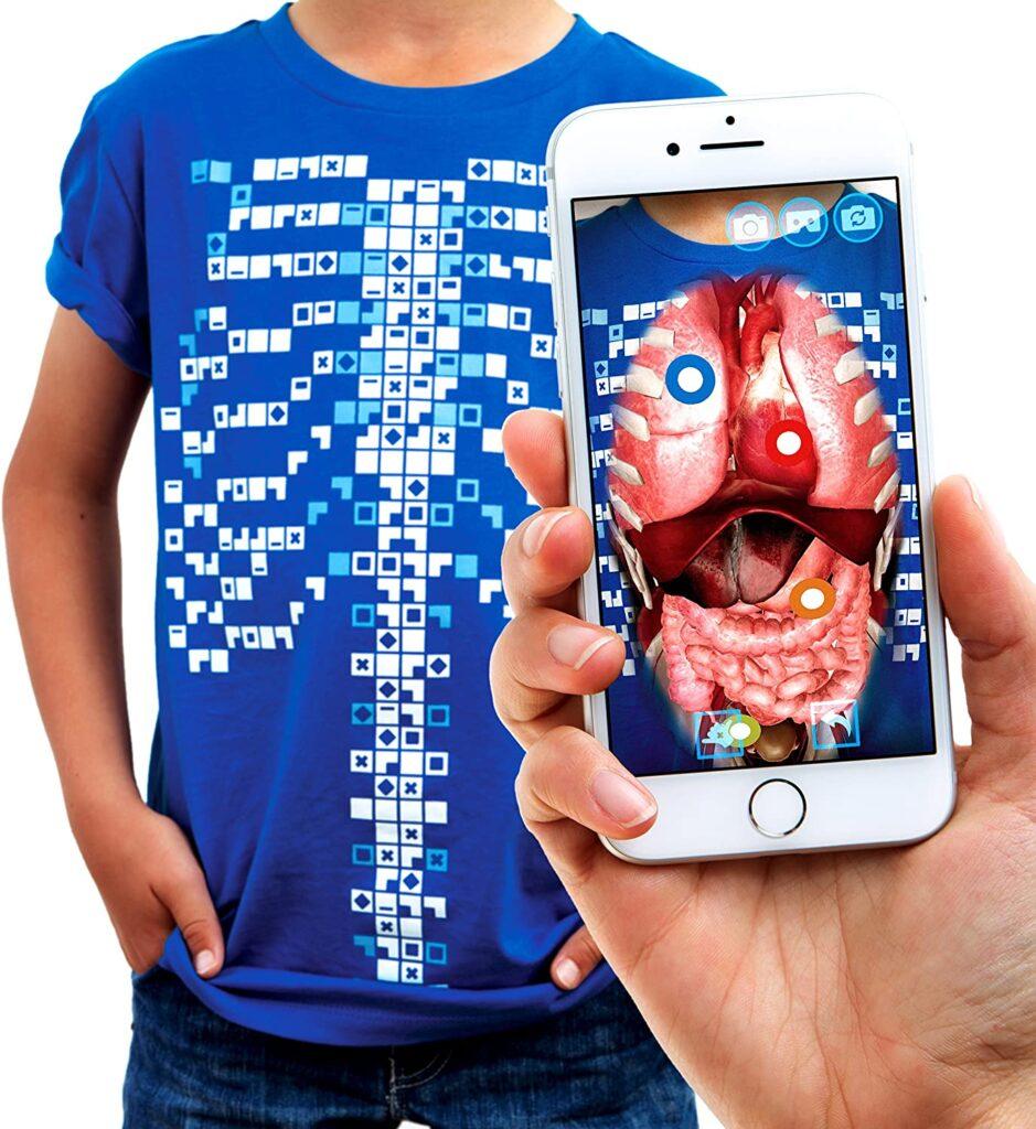 Design per bambini nel Museo dei diritti dell'infanzia - image amazon-uriscope-Virtuali-Tee-Maglietta-Didattica-in-Realt%C3%A0-Aumentata-Bambini-L-Azzurro-939x1024 on http://www.designedoo.it